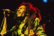 Bob Marley che canta