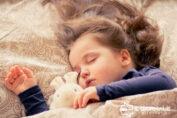 Tecnologia per leggere le favole della buonanotte ai bambini